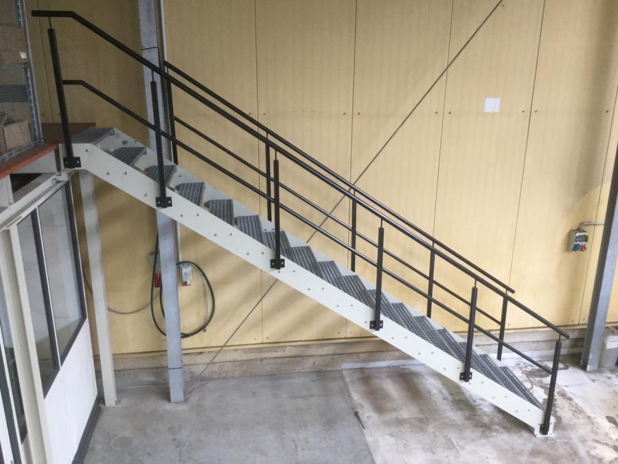 montagebau marc zettl stahl treppen innen. Black Bedroom Furniture Sets. Home Design Ideas