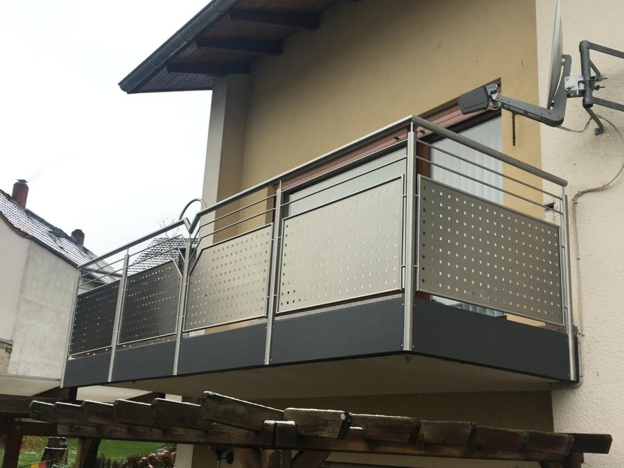 montagebau marc zettl lochblech edelstahl. Black Bedroom Furniture Sets. Home Design Ideas